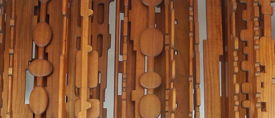 La Sculpture de Stahly, Echo de la forêt, reprend racine à la Maison | Maison de la Radio